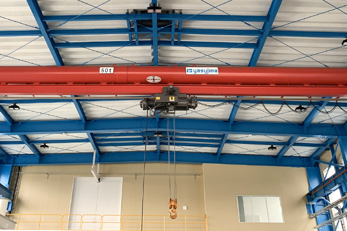 室内移动式吊车